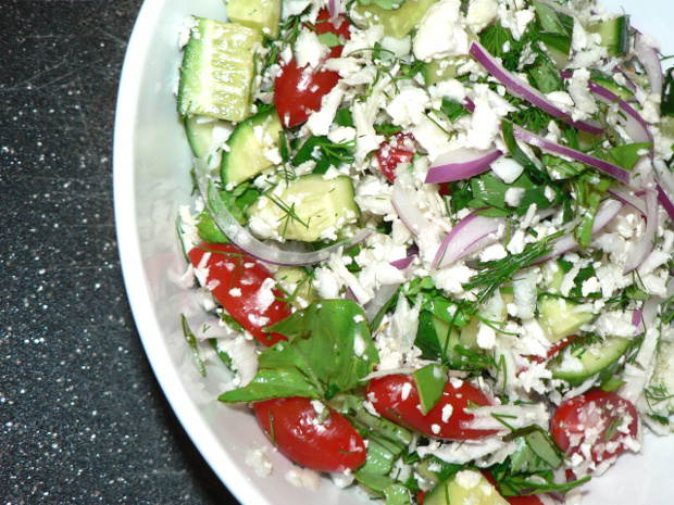This Easy Cucumber Tomato Salad With Cauliflower is amazingly healthy, deliciously crunchy and it is very easy to make! Make it for a picnic, or for dinner today #healthy #healthyrecipes #healthyfood #healthyeating #cooking #food #recipes #vegetarian #vegetarianrecipes #vegetables #veganrecipes #vegan #veganfood #ketodiet #ketorecipes #lowcarb #lowcarbdiet #lowcarbrecipes #glutenfree #glutenfreerecipes #dairyfree #sidedish #salads